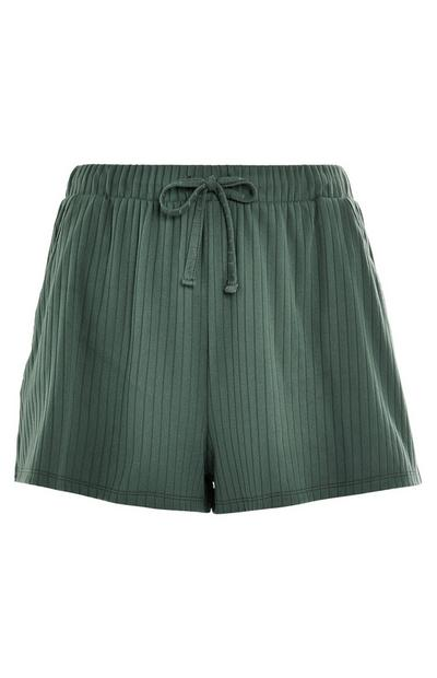 Grüne, gerippte Shorts