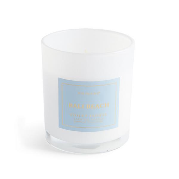 Vela en vaso blanca con aroma a playa de Bali