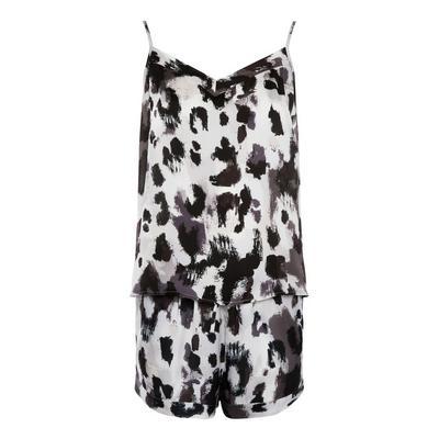 Kurzes monochromes Satin-Pyjamaset mit Animalprint