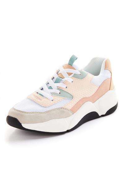 Robuuste sneakers met pasteltinten