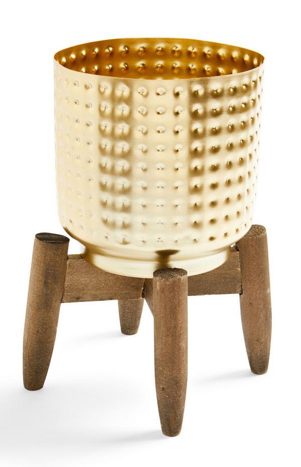 Cache-pot doré alvéolé avec support en bois
