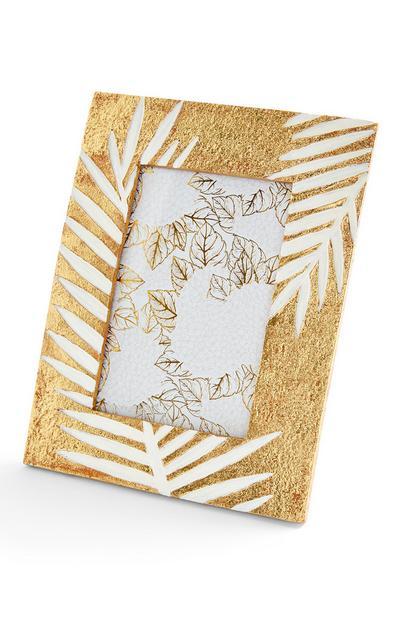 Moldura gravada design folhas tom dourado