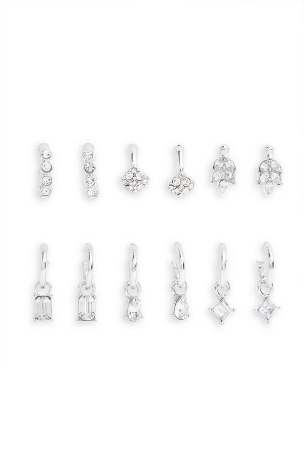 6 paia di orecchini huggie color argento con strass