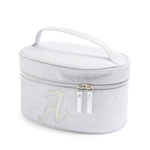 Zilverkleurige beautycase met glitters, letter A met imitatieparels en studs