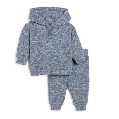 Comfortabel tweedelig blauw gebreid babysetje met capuchon