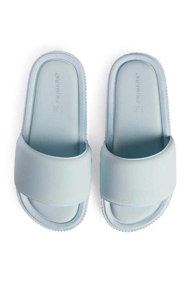 Blaue Badesandalen mit bequemem, flachem Fußbett