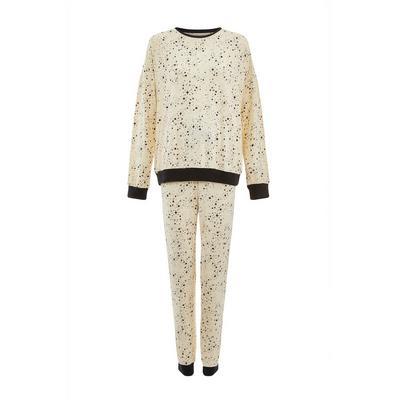 Weiches cremefarbenes Pyjamaset mit Sternenmuster