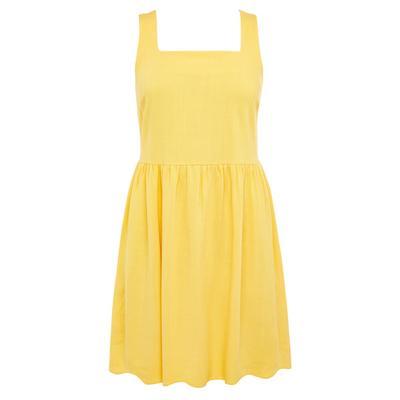 Gele mini-jurk van linnen met vierkante hals