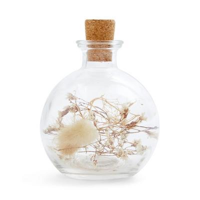 Dekoflasche mit kleinen Trockenblumen