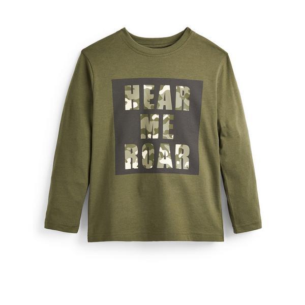 T-shirt kaki a maniche lunghe con scritta Primark Cares da bambino