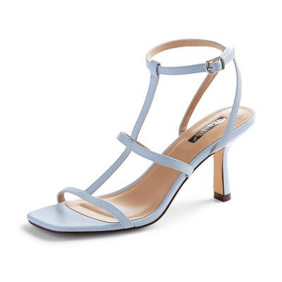 Sandálias tiras em T azul-bebé