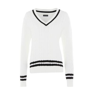 Monochromer Pullover mit Zopfmuster, V-Ausschnitt und Kontraststreifen